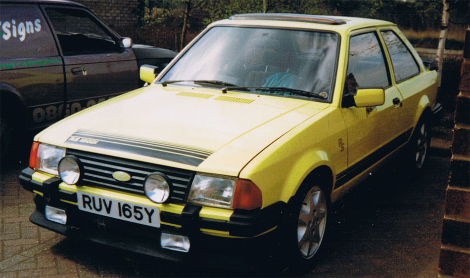 Published June 10, 2013 at 950 × 563 in ford-rs1600i-yellow-(10_2010 ...